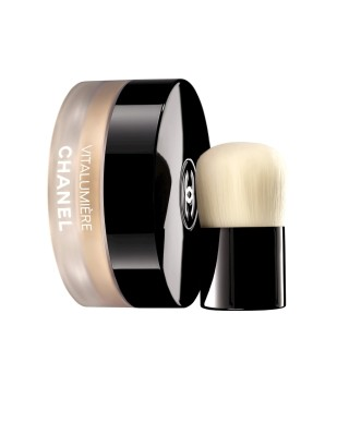 983ef649_Vitalumiere-Loose-Powder-Foundation-with-mini-Kabuki-Brush-R1010.00-2-e1402645294769