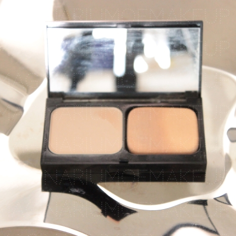 BOBBI BROWN ILLUMINATING COMPACT POWDER FOUNDATION 00 ALABASTER - it has a slight hardening - 90% left or so - 8 USD