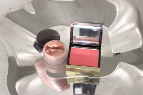 LEFT TO RIGHT: LAURA MERCIER MINERAL CHEEK POWDER AMBERSTONE (USED MAYBE 4-5 TIMES) - 14 USD / TOM FORD CHEEK COLOR 03 FLUSH (95% LEFT OR MORE) -