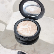 MSCHIC Baked Mineral powder foundation Porcelain 0N (Finnish brand)